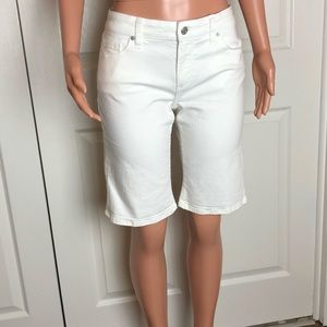 BANANA REPUBLIC White Bermuda Denim Pants 31 / 12